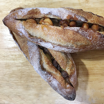 ナッツたっぷりの贅沢パン
